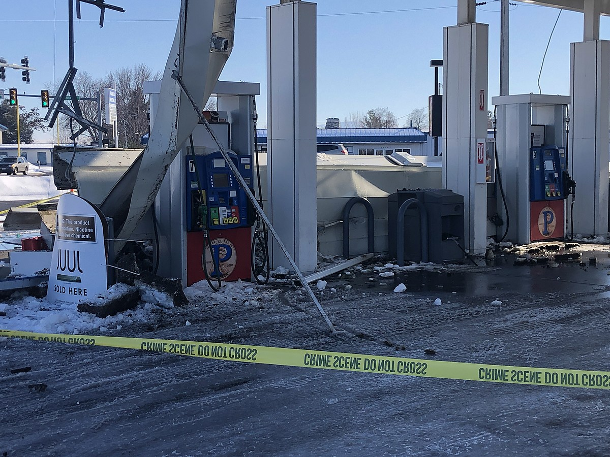 See Photos Of Collapsed Gas Station Roof In Pasco