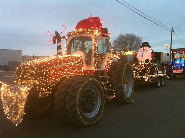 Sunnyside Wa Weather >> Sunnyside's Lighted Farm Implement Parade on December 3rd