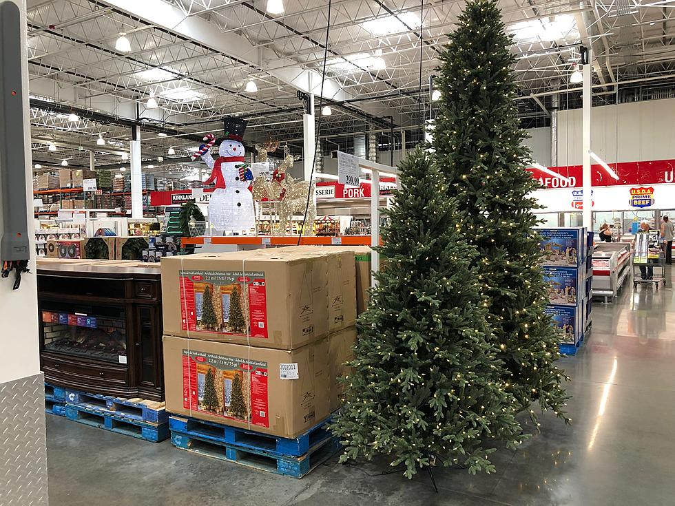 Costco Christmas Eve Hours.Costco Is Already Stocking Christmas Stuff Too Soon Right