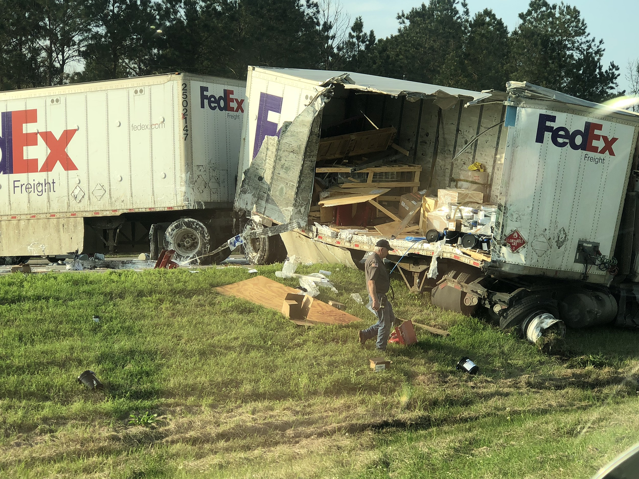 Fed Ex Truck Spill Causes Big Delays on I-10 By LA/TX State Line