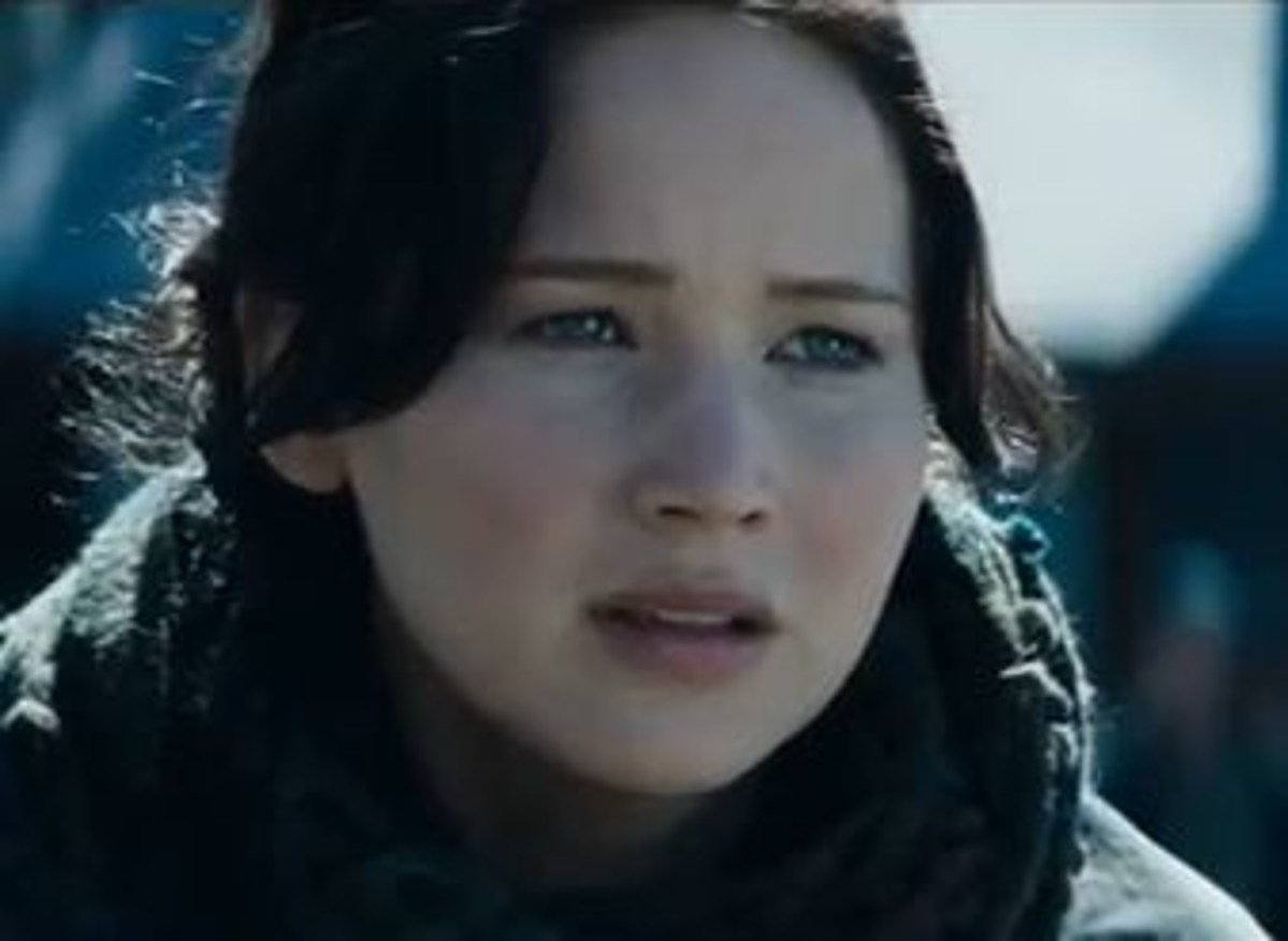 The Hunger Games: Catching Fire Trailer + NEW Finnick