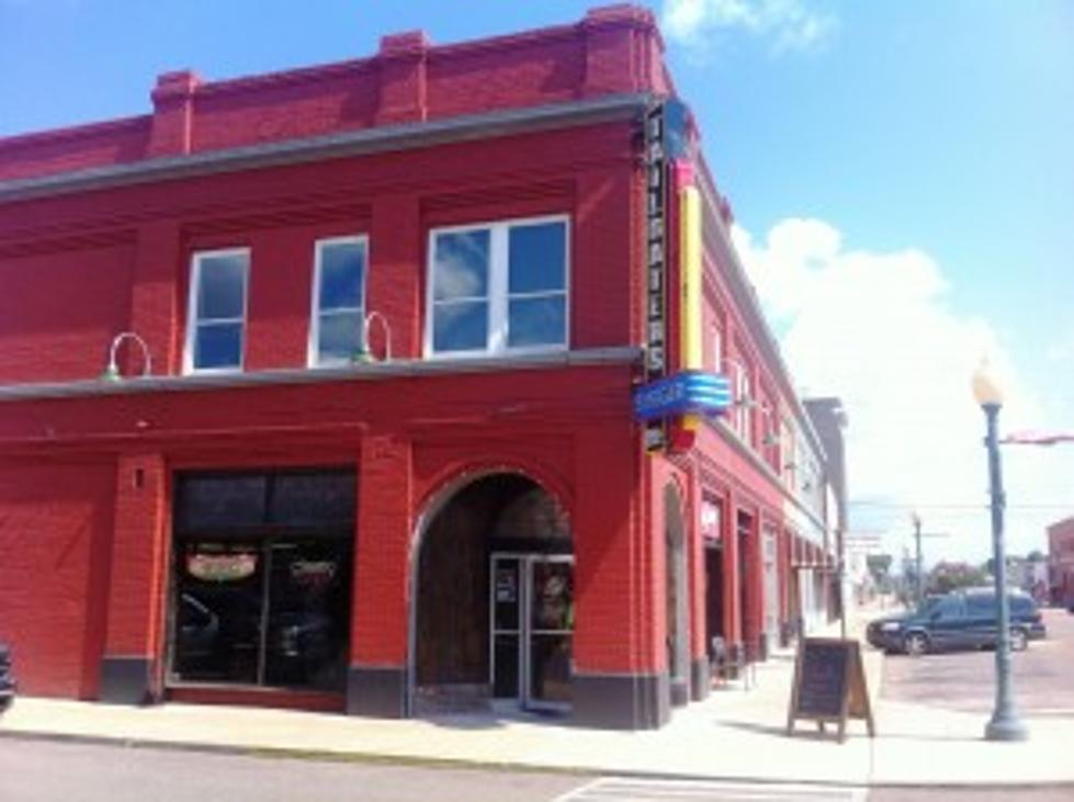 Tailgater's Burger Company – A Dazzling Beacon in Downtown