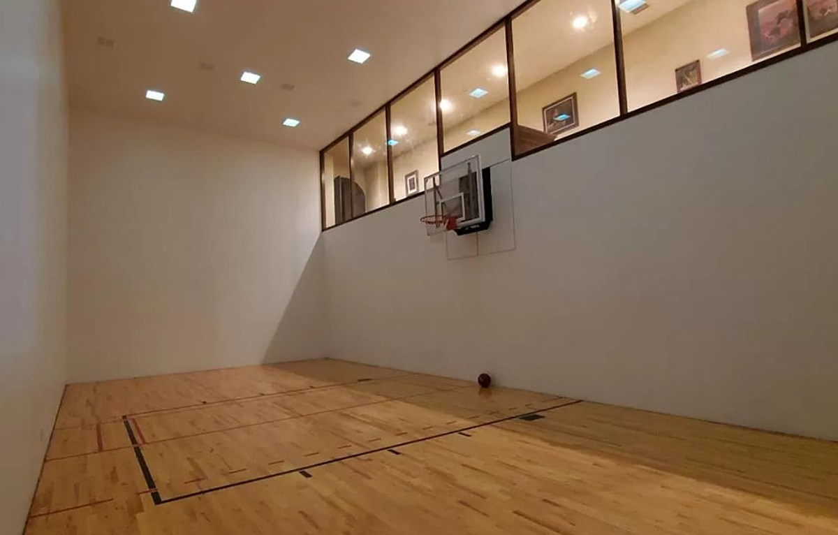 Mind Blowing Lubbock Home Has Indoor Basketball Court Theater