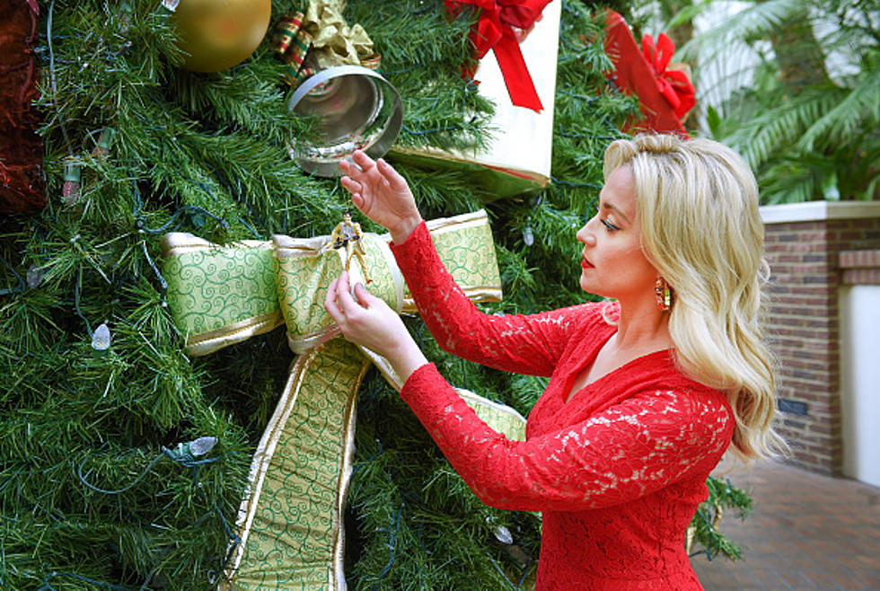 Christmas In July Hallmark.Ready For Christmas In July On The Hallmark Channel