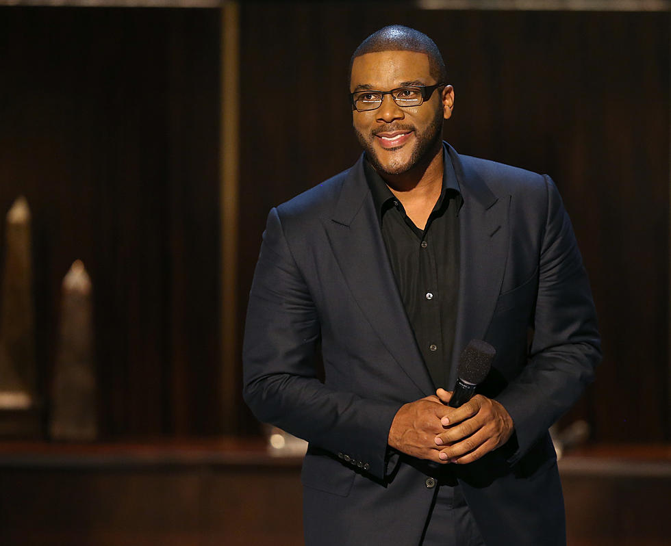 Madeas Christmas.Tyler Perry Brings Madea S Christmas To The Big Screen Video