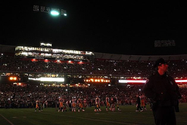 Monday Dark Football, Power Outages Delay Niners/Steelers Game
