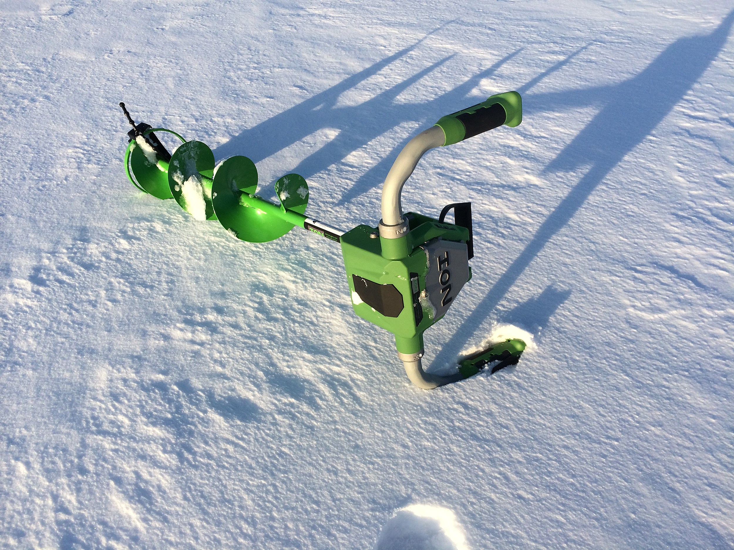 Ion Electric Ice Auger Review and Battery Use Tips