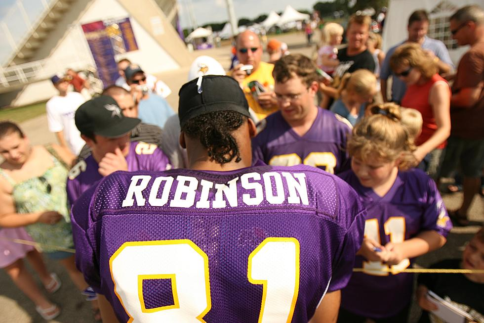 low priced 075db e169b Minnesota Vikings Banning Adults from Training Camp Autographs