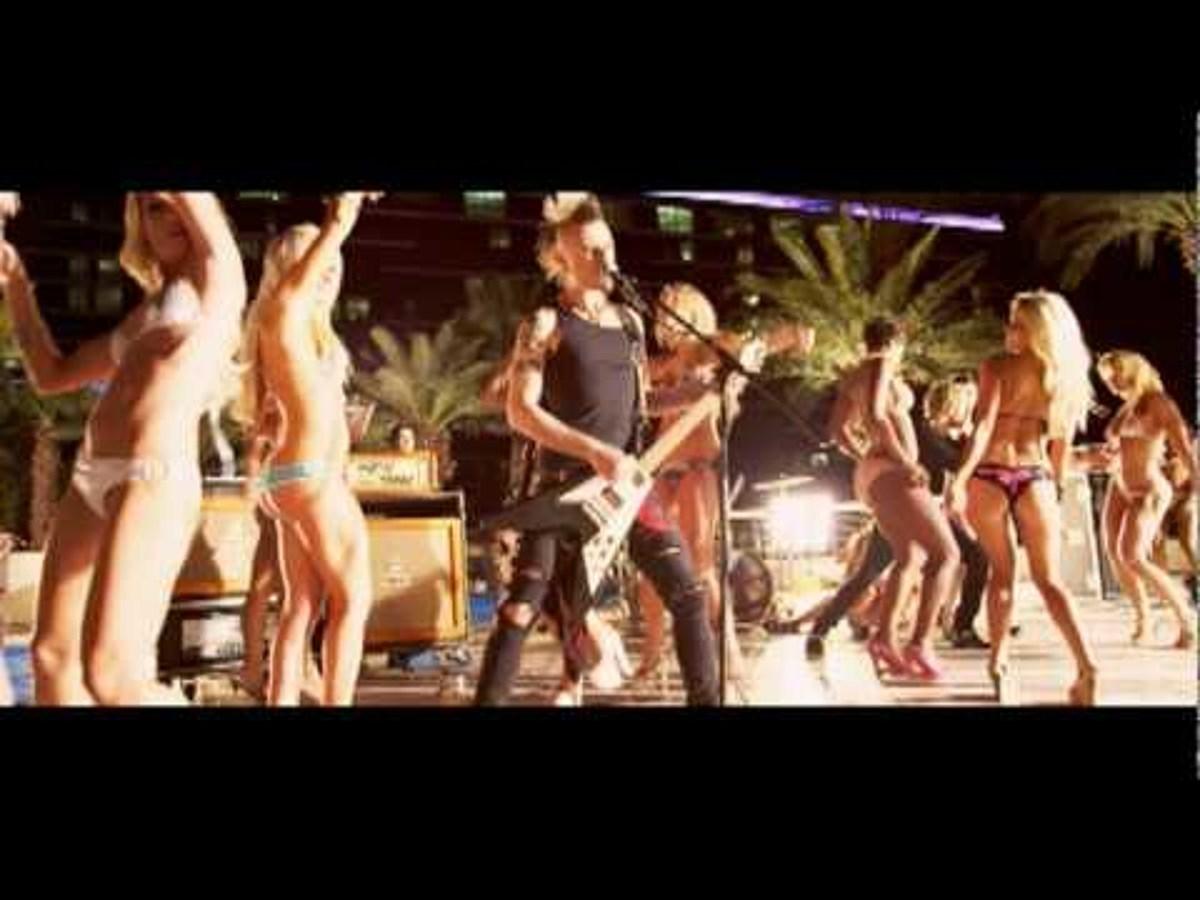 porn star dancing by my darkest days