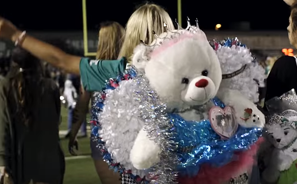 Christmas Homecoming Mum.Are Texas Homecoming Mums Getting Too Crazy