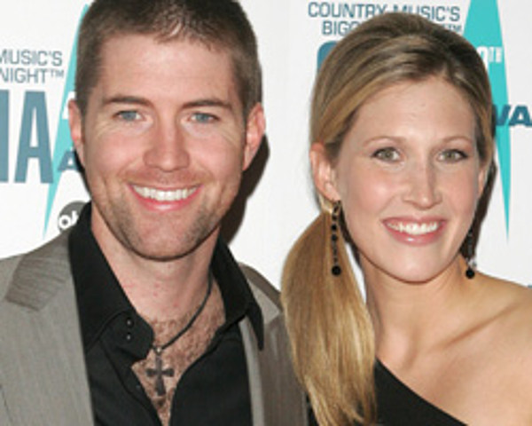 Early Ford Store >> Josh Turner and Wife Welcome Baby