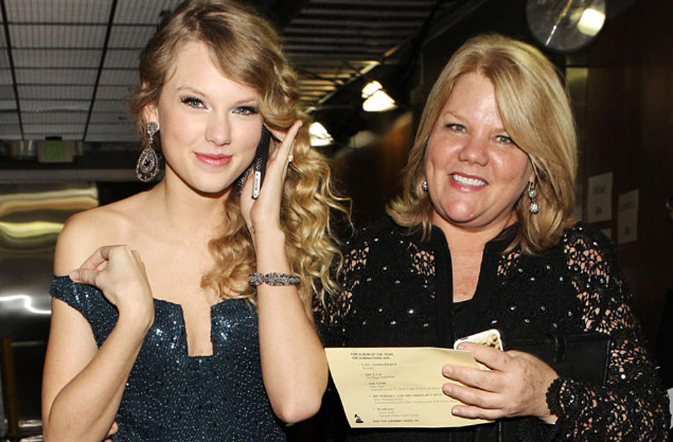 Taylor Swift Recalls That Her Best Days Were Spent With Her Mom