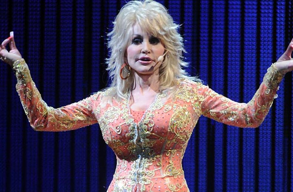 Dolly Parton Christmas Album.Dolly Parton Lends Her Voice To Chicago S Upcoming Christmas