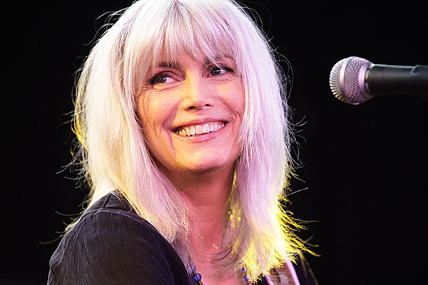 Emmylou Harris Hot Emmylou Harris Working...