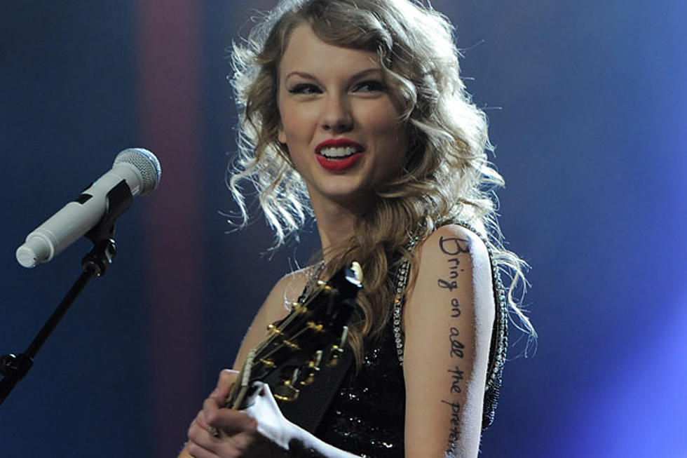 Taylor Swift Donates 14 000 Books To Nashville Public Library
