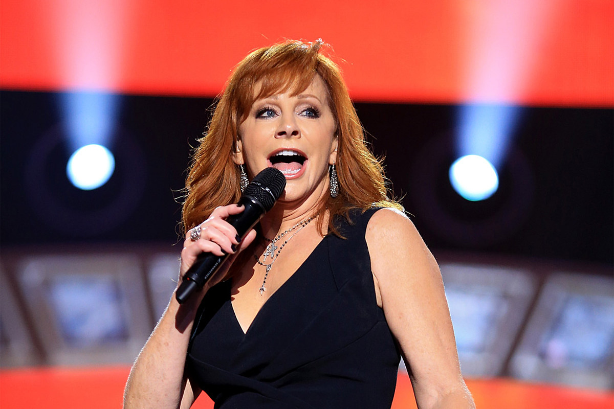 10 Best Reba McEntire Songs Cover Every Emotion