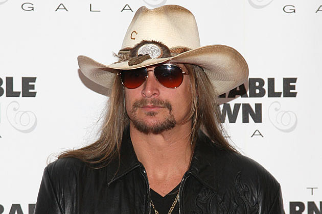 Country Fashion at the Kentucky Derby – Kid Rock 55bc11f5339