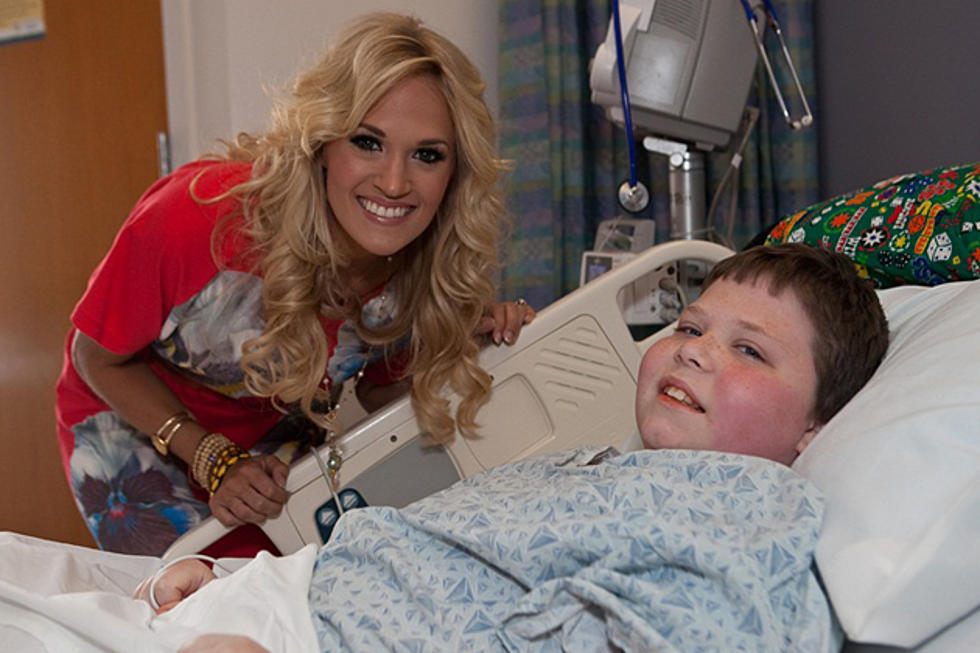 Carrie Underwood Visits With Kids At Boston Children S Hospital