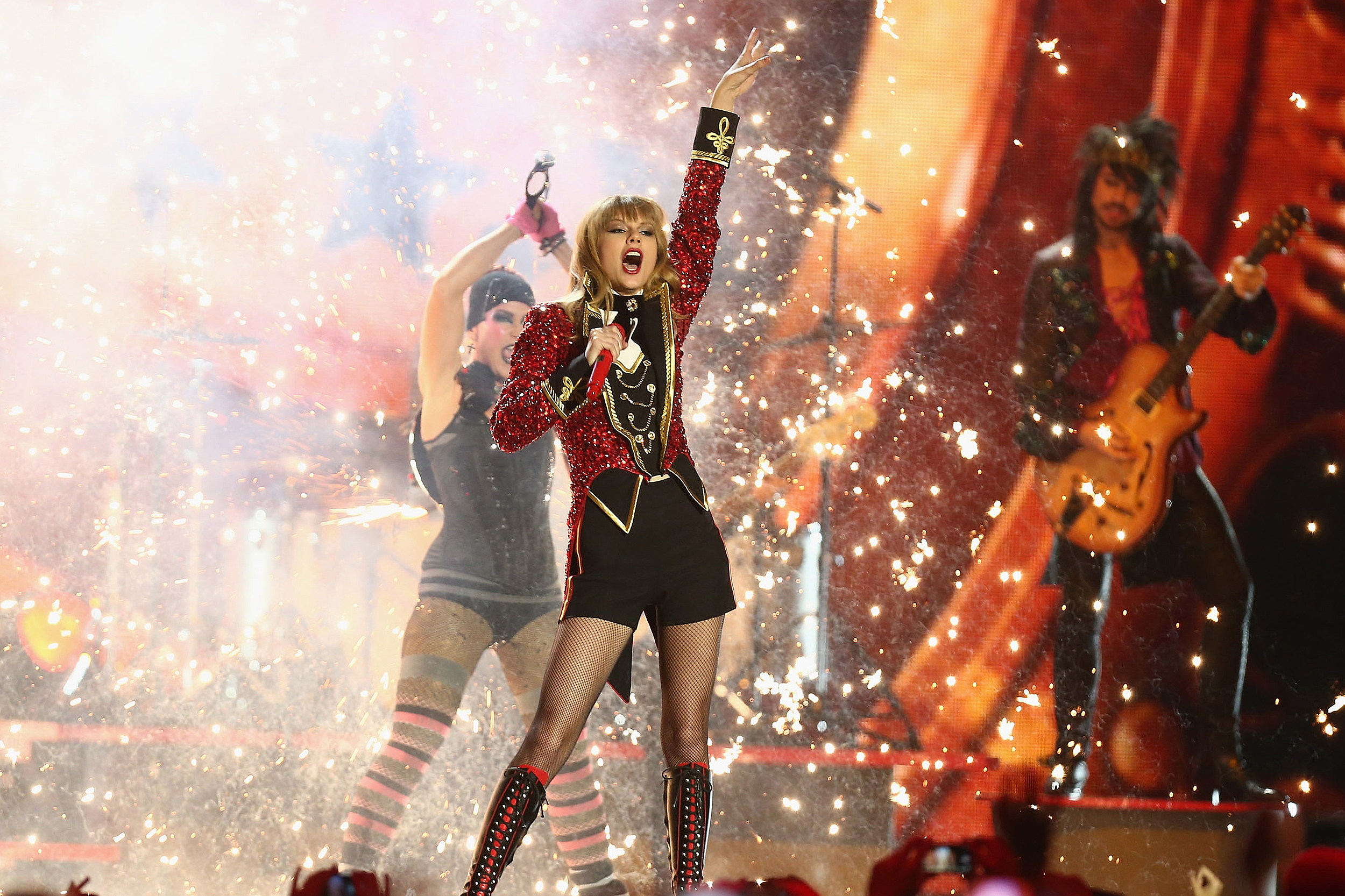 Taylor Swift Red Tour Tickets Sell Out In Minutes