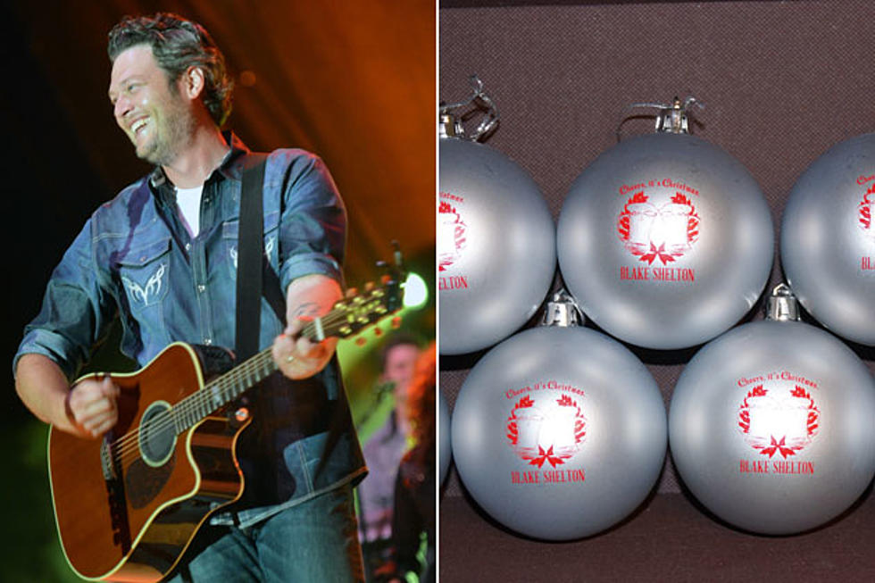 Blake Shelton Cheers Its Christmas.Win Blake Shelton Cheers It S Christmas Ornaments 12
