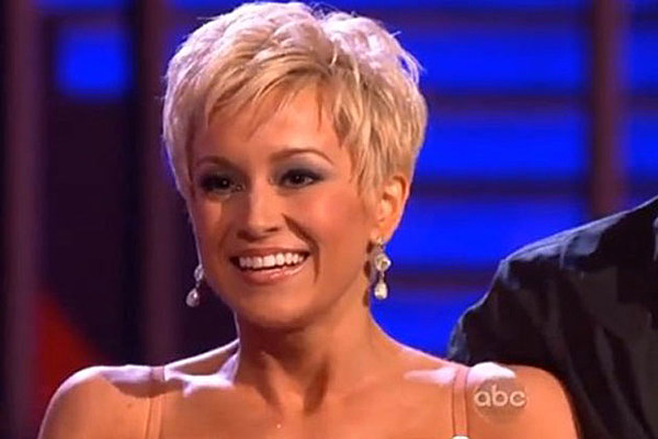 R Kelly Hair Style: Kellie Pickler Wins 'Dancing With The Stars'