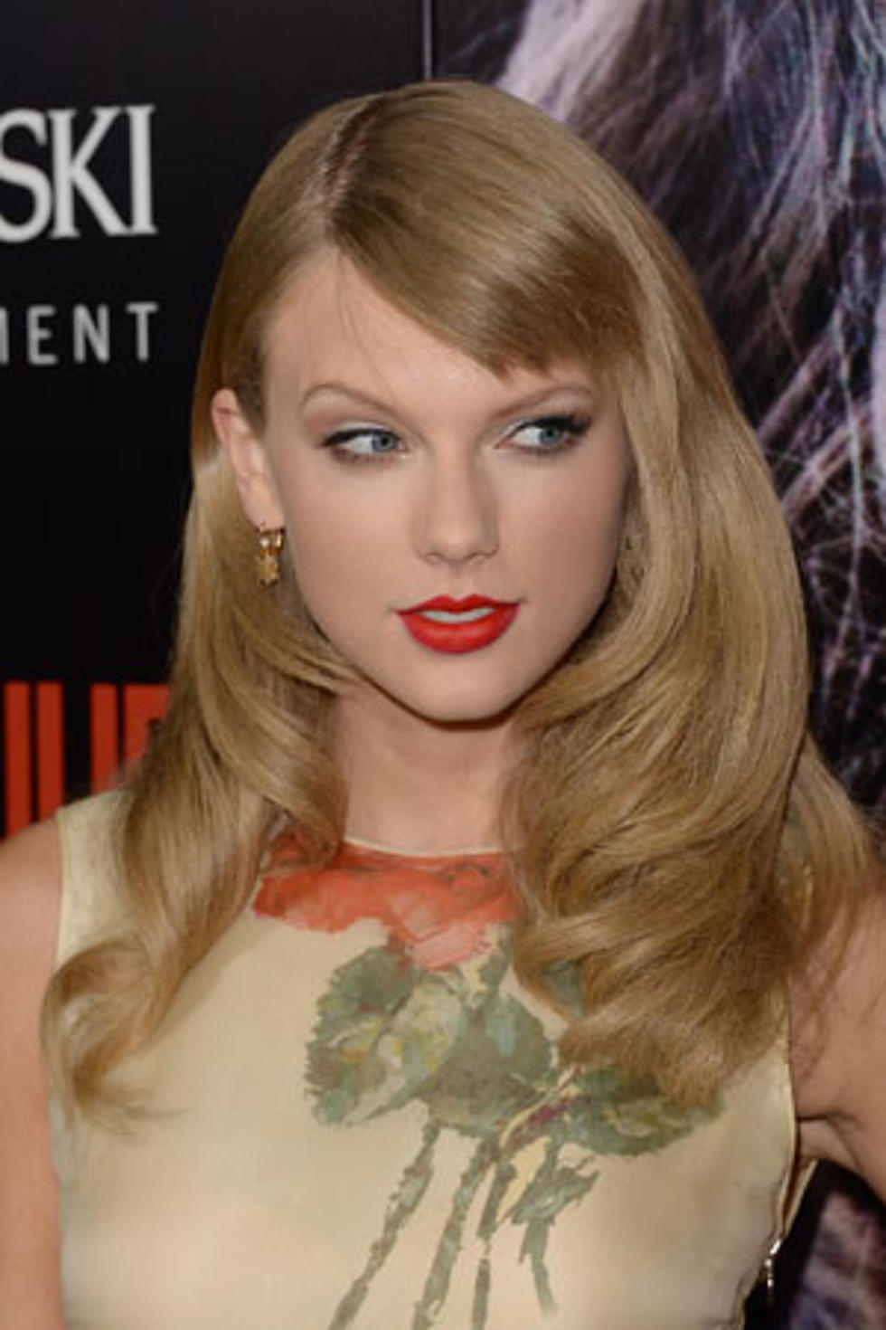 Taylor Swift Debuts New Haircut At Romeo Juliet Premiere