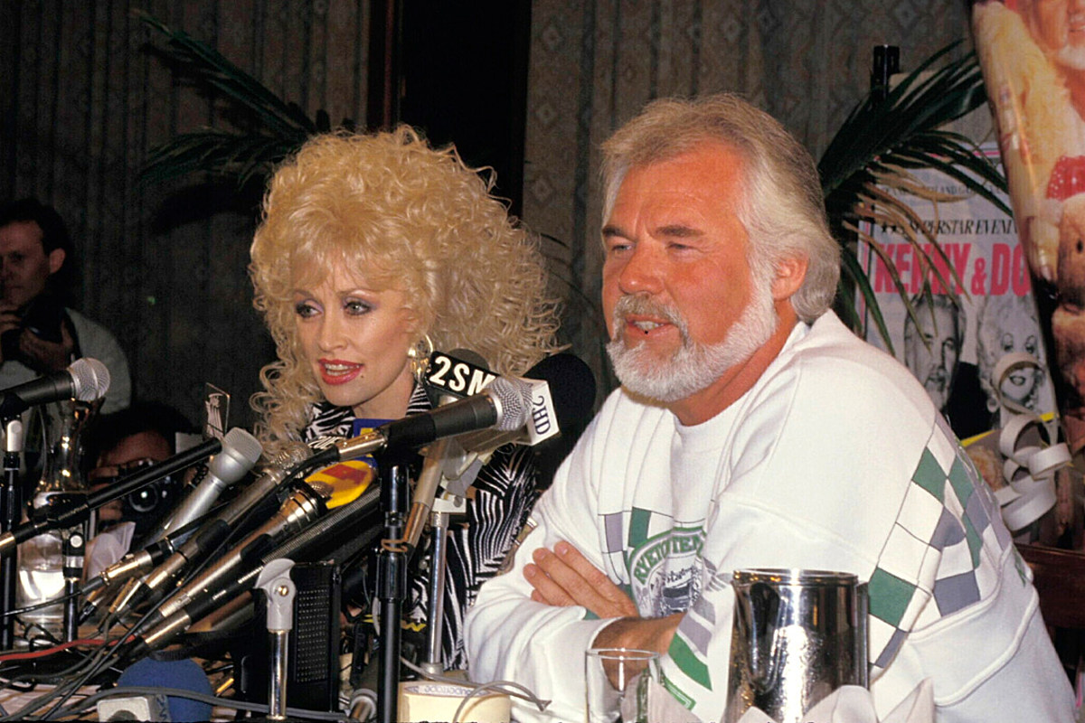 How Dolly Parton Saved Kenny Rogers From Passing on a Career Hit