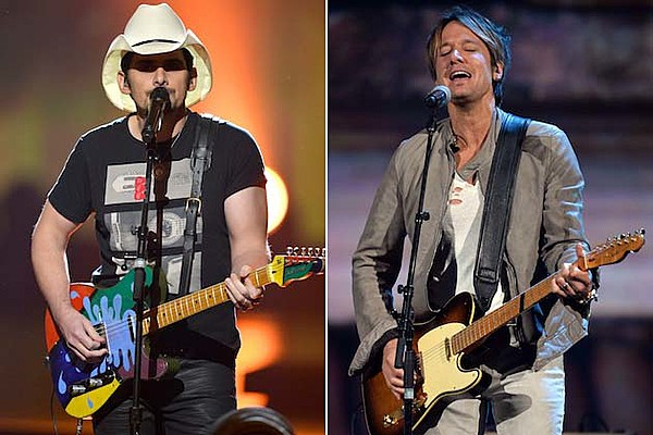 Brad Paisley Keith Urban Help Pay Tribute To The Beatles