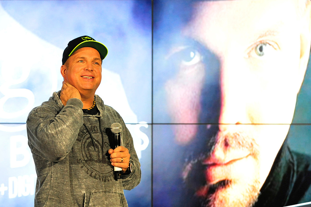 5 Things We Learned From Garth Brooks' Listening Party