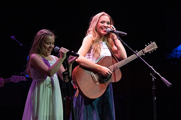 Lennon and maisy stella release children 39 s book new song - Lennon and maisy bio ...