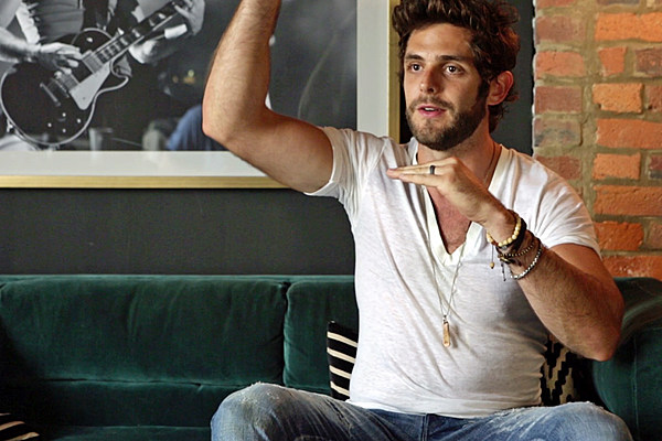 thomas rhett 39 s tangled up was written before his debut album. Black Bedroom Furniture Sets. Home Design Ideas
