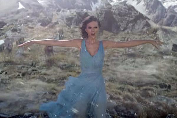 Taylor Swift Braves The Elements In Out Of The Woods Video