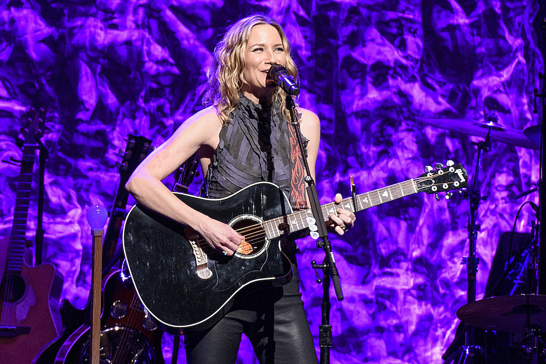 Jennifer Nettles Sets Release Date For Playing With Fire