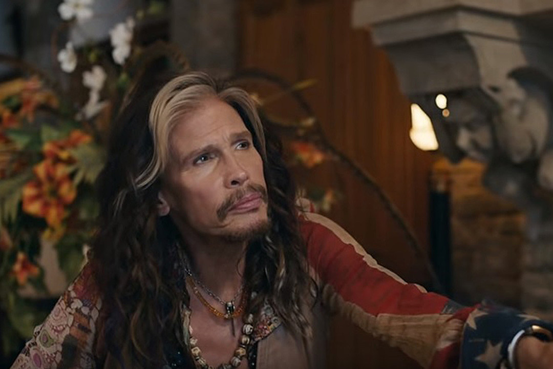 Steven Tyler Sings With His Portrait In Skittles Commercial