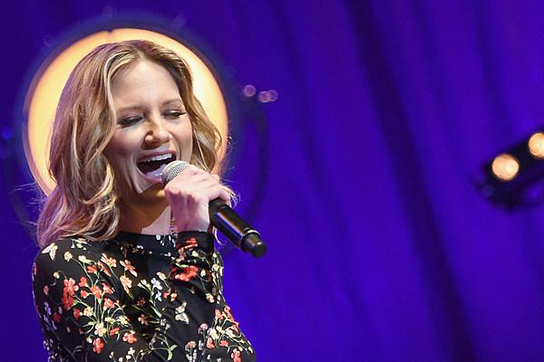 Album Spotlight Jennifer Nettles Playing With Fire