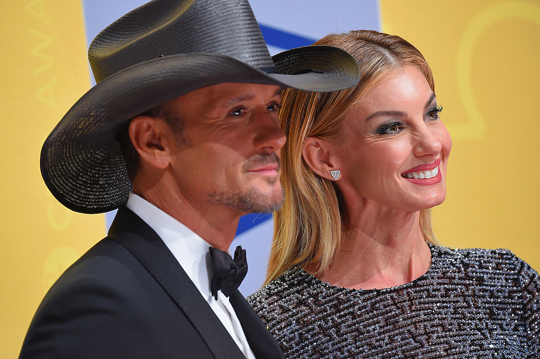 Tim McGraw Taking Care of Faith Hill After Surgery e54186544