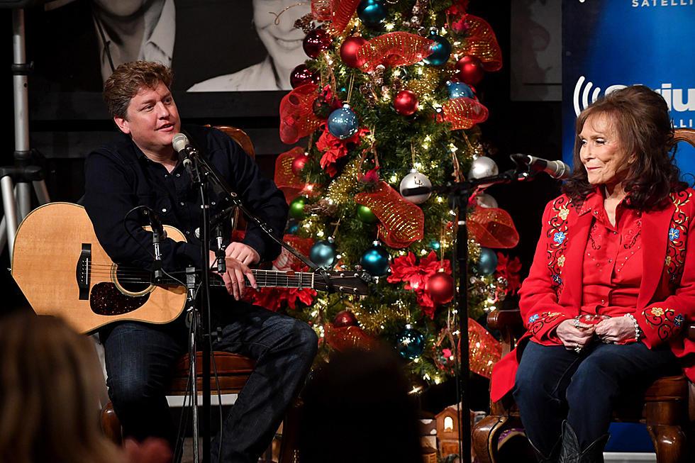 Siriusxm Christmas Music.Loretta Lynn Shares New Christmas Album With Siriusxm