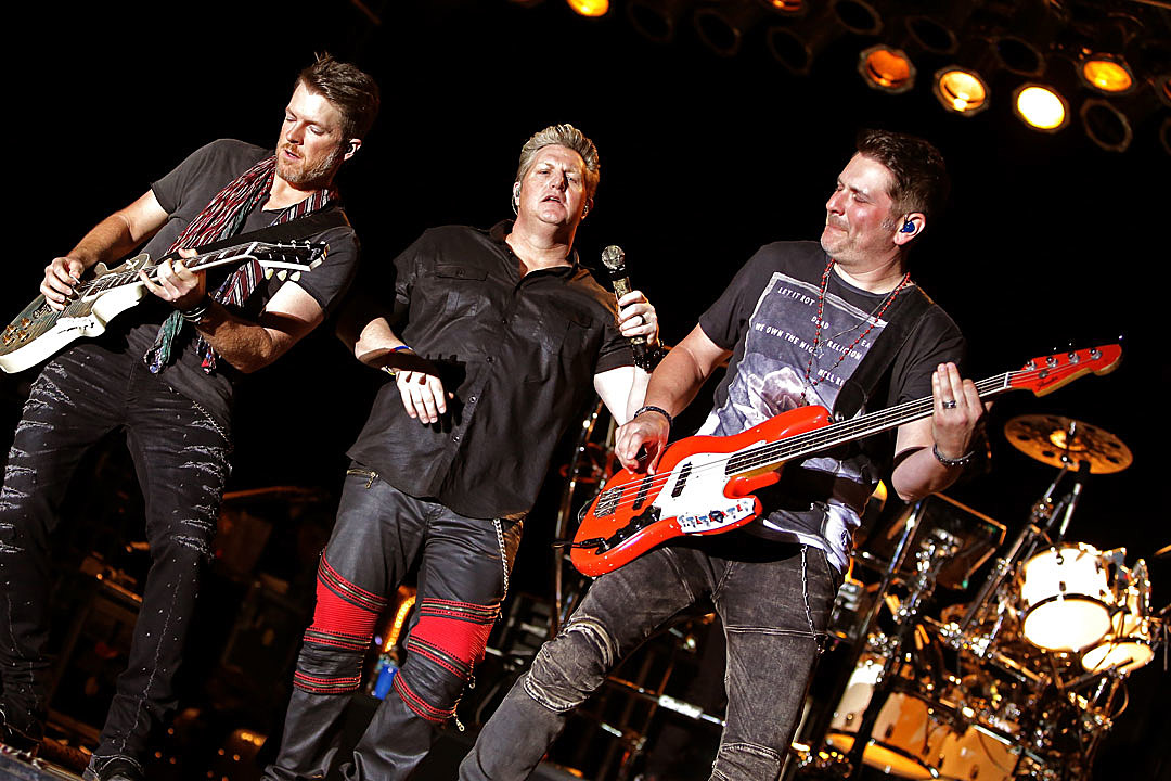 Country Music Rascal Flatts Signed Photo signed By All Three