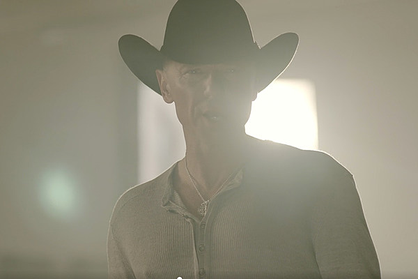 Kenny Chesney Drops Rich And Miserable Video Watch