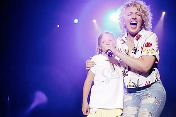 Cam Sings With Sweet Fourth Grader at Stagecoach Festival