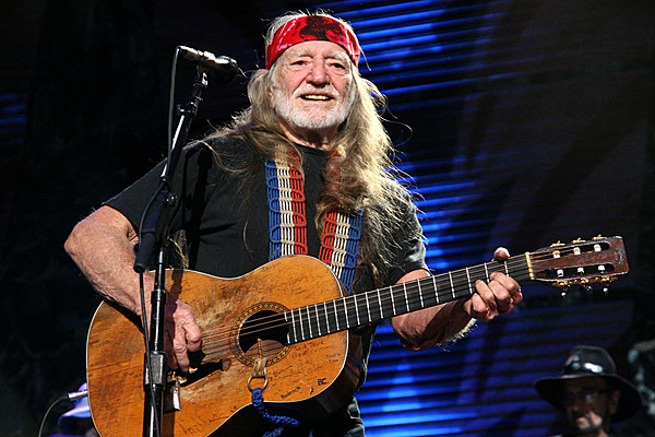 Willie Nelson Announces Lineup for Farm Aid 2017
