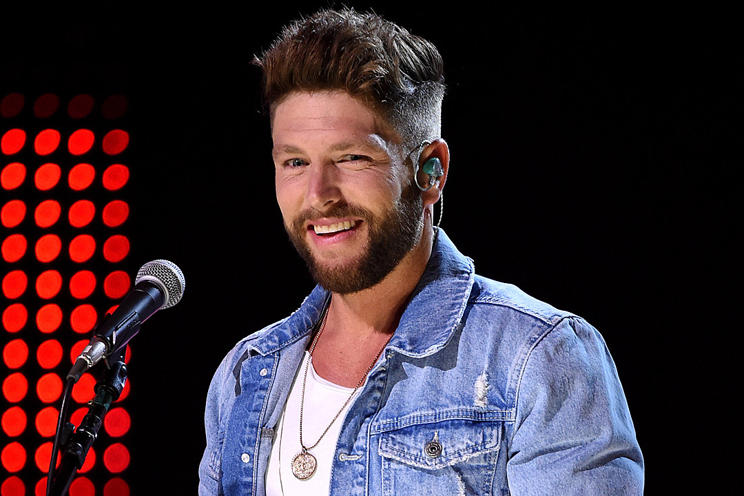 Chris Lane Is Single and Open to Mingling