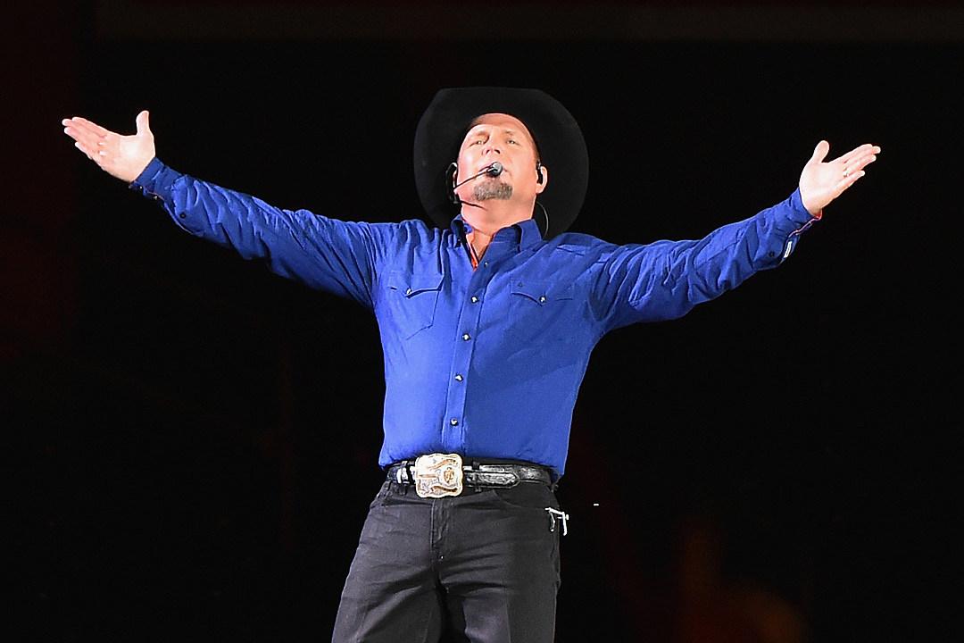 Garth Brooks Tour 2019 Garth Brooks Hints at Stadium Tour in 2019