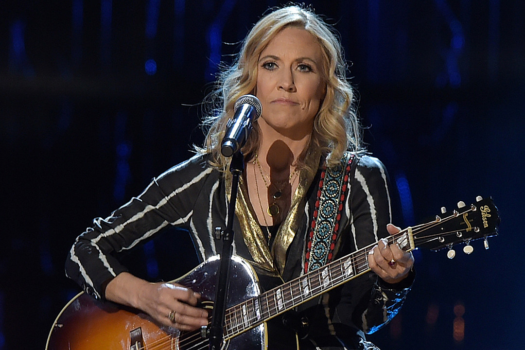 Sheryl Crow Signs With Big Machine Label Group for New Album