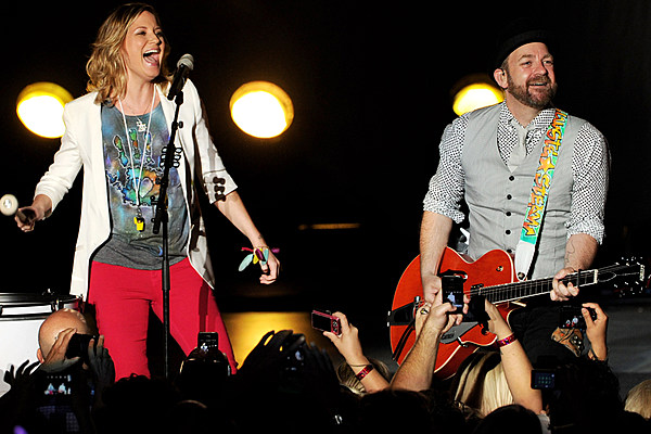 Sugarland To Perform At Famous Dick Clarks New Years Eve -9202
