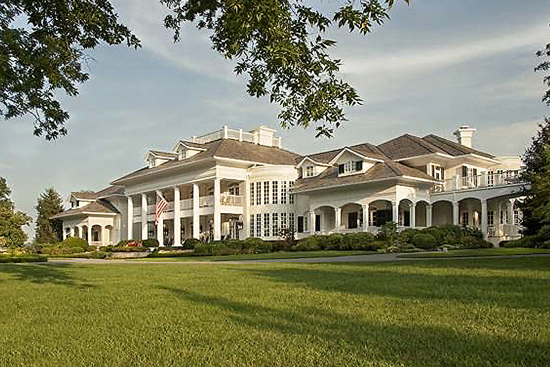 You've Never Seen Anything Like Alan Jackson's Old Mansion!