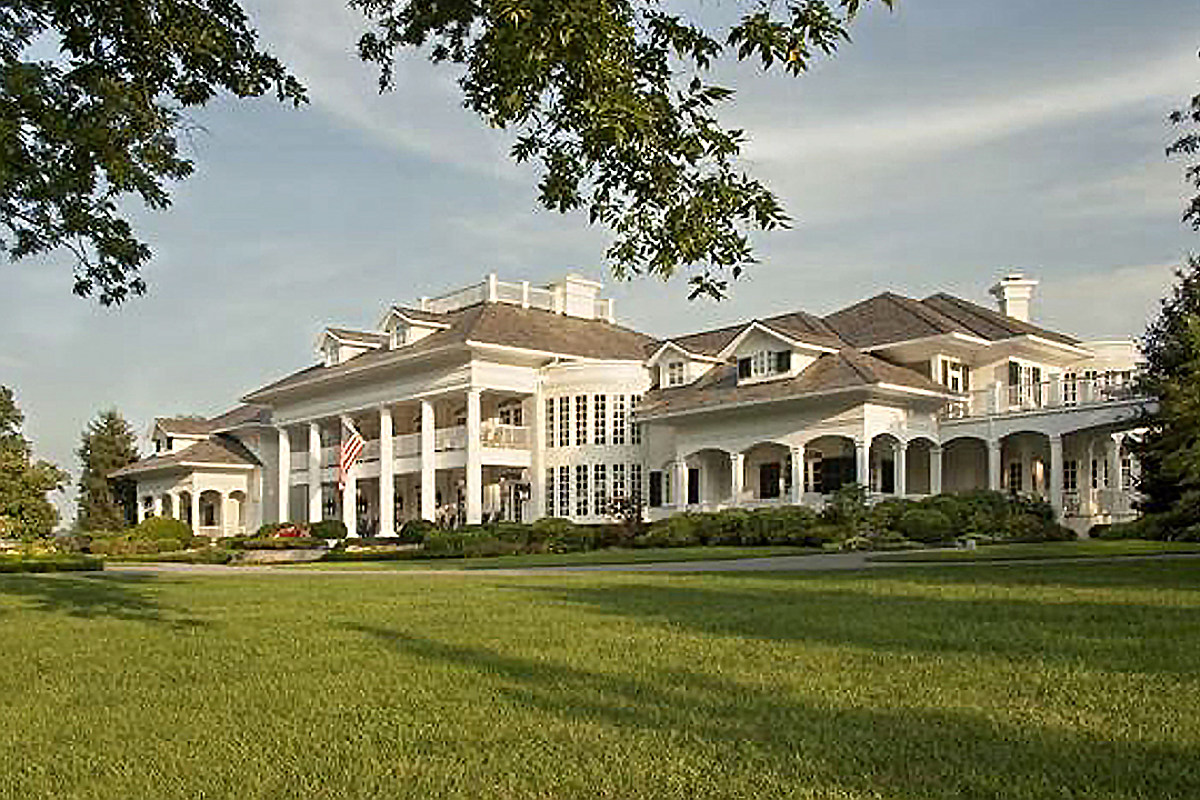 You Ve Never Seen Anything Like Alan Jackson S Old Mansion