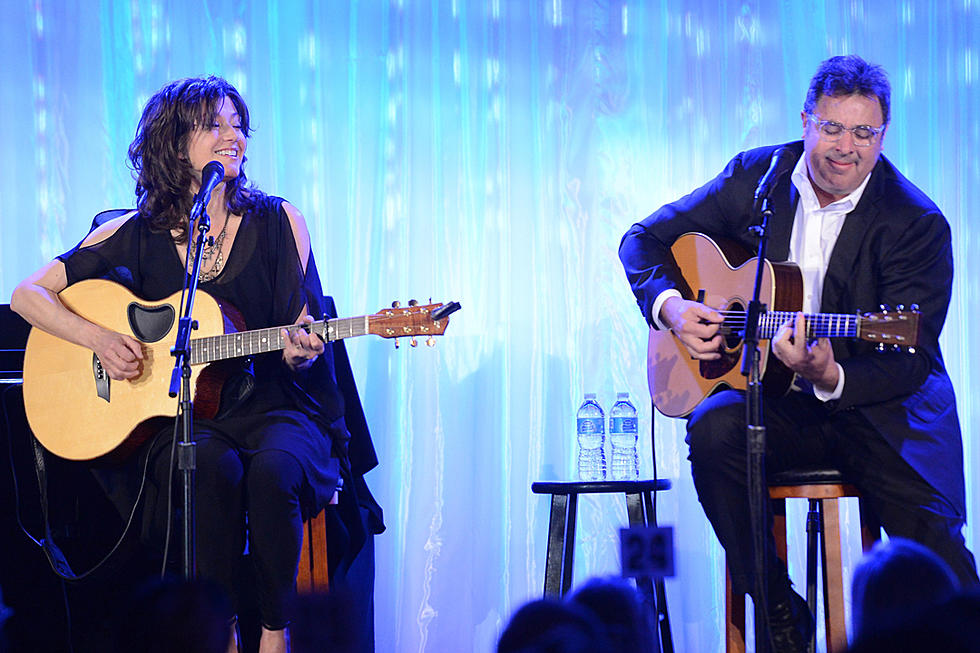 Amy Grant Christmas.Vince Gill And Amy Grant Book Christmas At The Ryman Shows