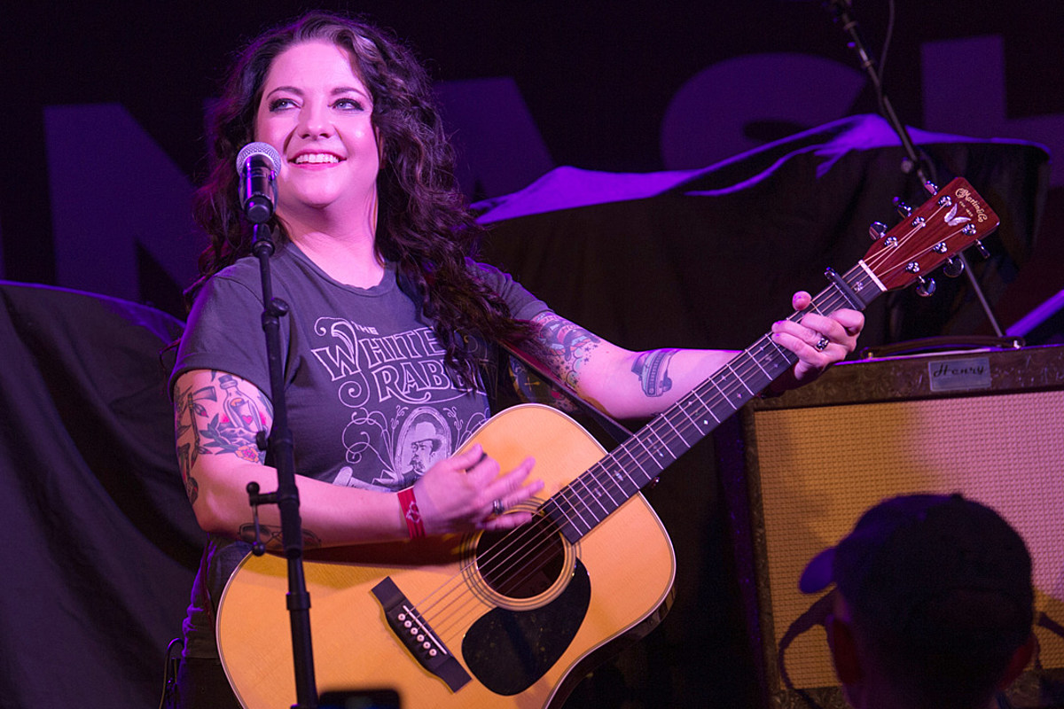 Ashley McBryde's 'Girl Goin' Nowhere' Fueled By Teacher's Insult