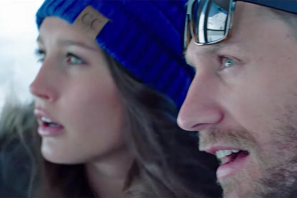 555d74be9 That s Chase Rice s Ex-Girlfriend in His  Eyes on You  Video